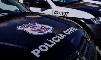 Policiais da Defron e Gefron recuperam mais um veículo roubado