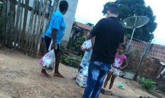 BOA AÇÃO: Grupo de empresários doaram cestas básicas para famílias  carentes